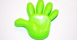 Die Linkshänder Maus wird weniger häufig produziert und es gibt weniger Hersteller und Angebote.